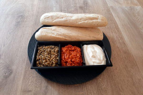 Tapenade en stokbrood